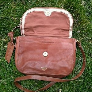 Fossil Bags - 🗝Fossil Gwen Flap Crossbody Rosegold Brown
